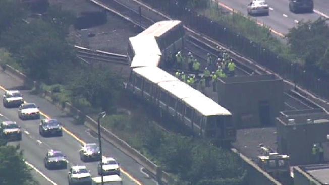 072916+metro+derailment